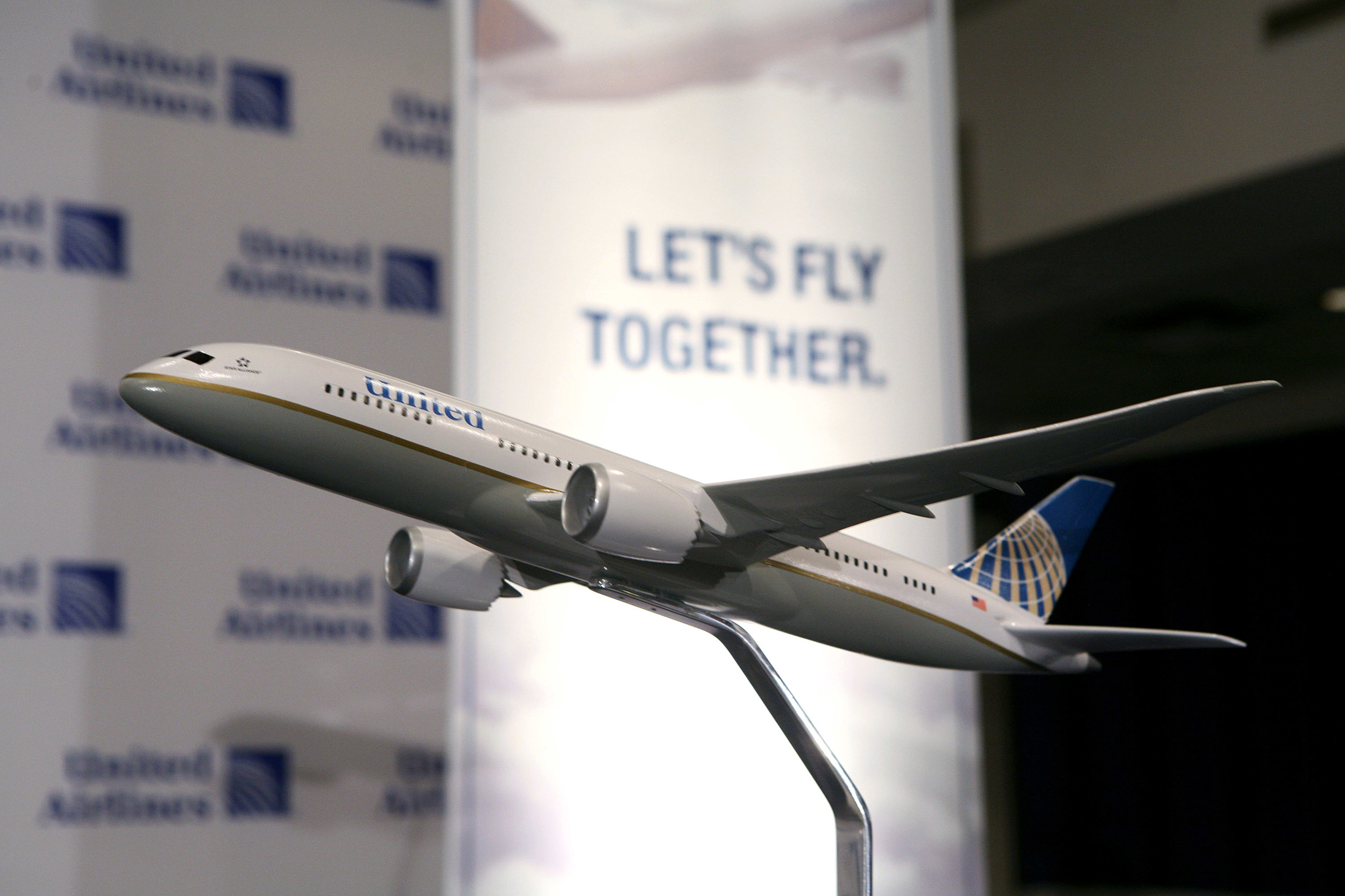 United And Continental Announce Merger To Form World's Largest Airline