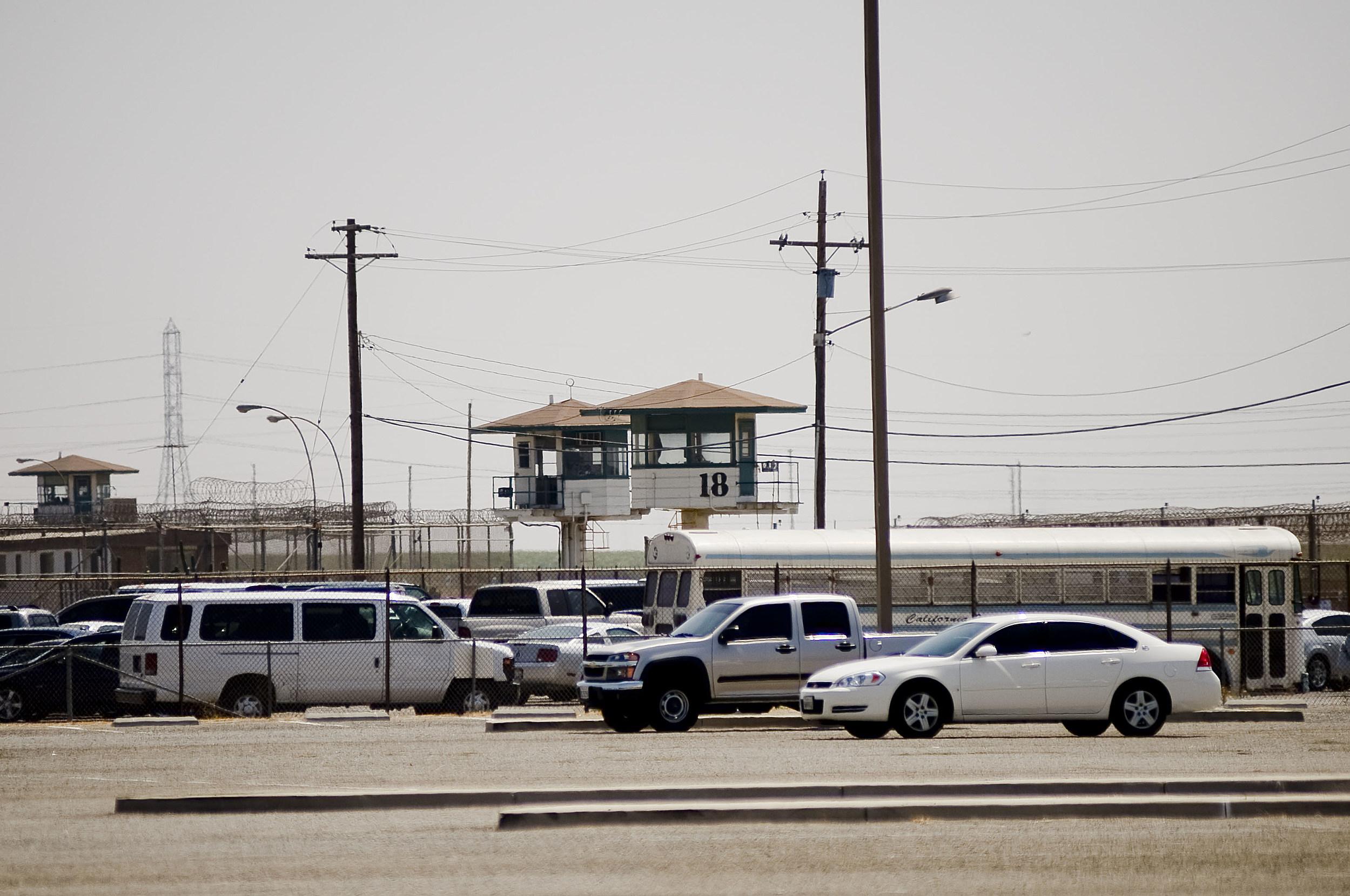 Governor Schwarzenegger Tours Prison Where Riot Took Place